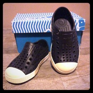 Native Toddler Shoes size 7 - BNIB